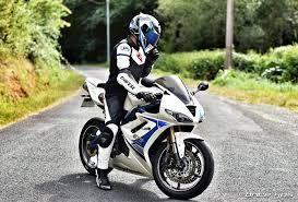 Jakie zalety mają tekstylne kombinezony motocyklowe?