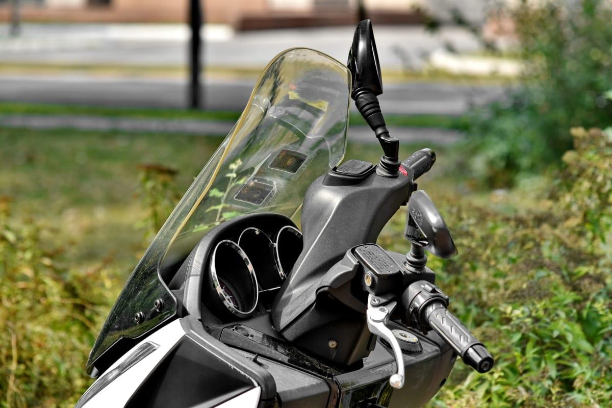 Dlaczego warto stosować szyby motocyklowe?